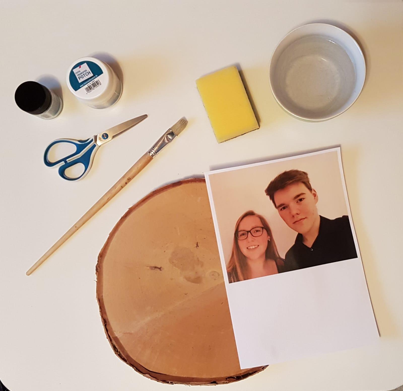 DIY Holzstück mit Foto - Deutsches Ferninstitut für Bildung, Pädagogik und Sozialmanagement GmbH